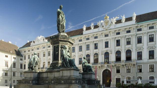 Statue von Kaiser Franz in Wien.