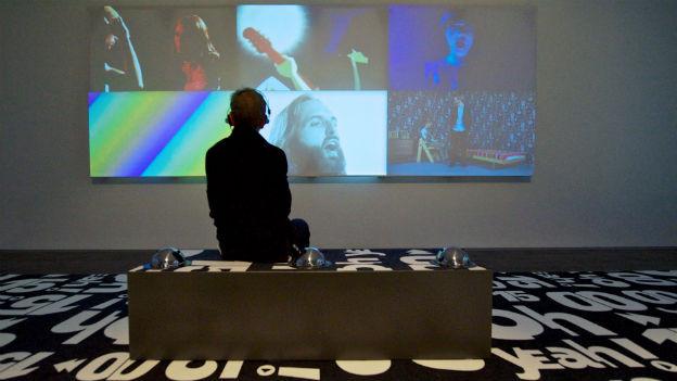 Schweizer Pop im Museum