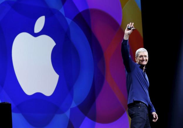 Apple-CEO Tim Cook begrüsst die Anwesenden, bevor er an der Entwicklerkonferenz in San Francisco die neuen Produkte seines Konzerns vorstellt.