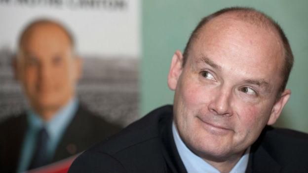 Yvan Perrin bei der Verkündung seiner Kandidatur für den Neuenburger Regierungsrat.