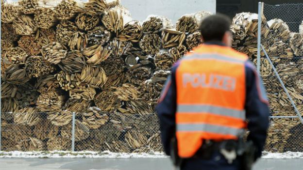 Polizei im Einsatz Holzfabrik Menznau