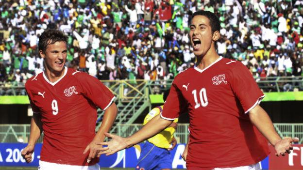 Junge Nati-Talente mit fremden Wurzeln: Haris Seferovic und Nassim Ben Khalifa jubeln an der U-17-WM 2009.
