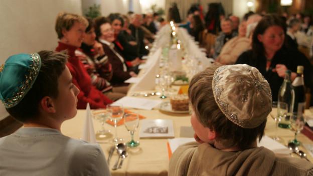 Symboldbild: Juden feiern den Sederabend
