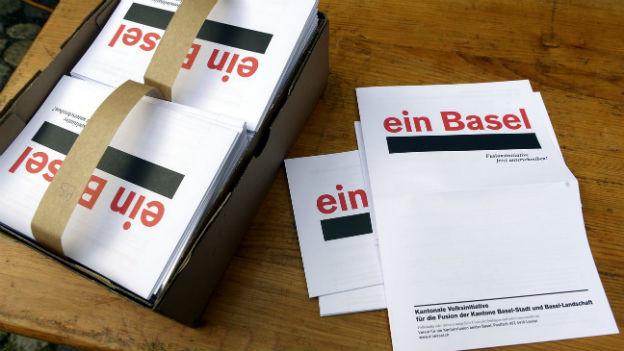 Die Unterschriftenbögen zur Basler Fusionsinitiative.