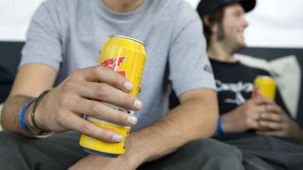Viele Experten sind sich einig: Mit Verboten sind Alkoholexzesse kaum zu bekämpfen.