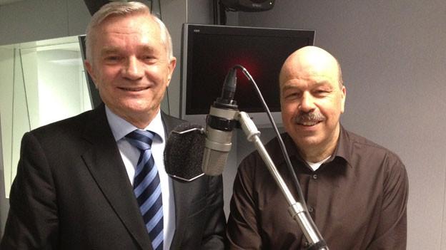 Ján Foltín (links) Slowakischer Botschafter mit Urs Siegrist, SRF.