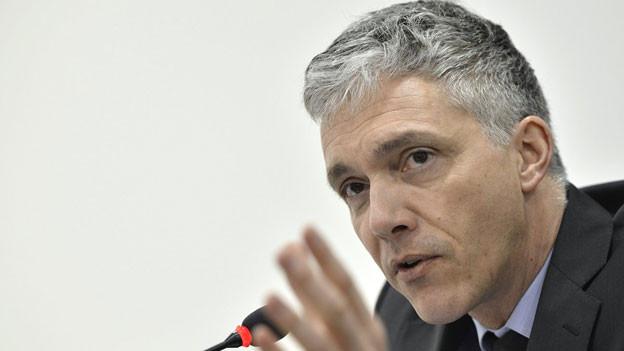 Bundesanwalt Michael Lauber, an einer Pressekonferenz am 6. Februar 2013 in Genf.