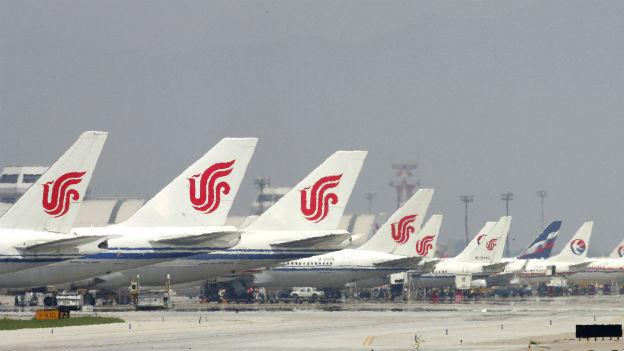 Flugzeuge der Air China in Peking.