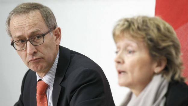 Chefunterhändler Ambühl mit Bundesrätin Widmer-Schlumpf