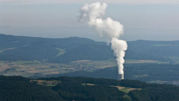 Wie lange sollen Schweizer AKW (im Bild AKW Gösgen) am Netz bleiben?
