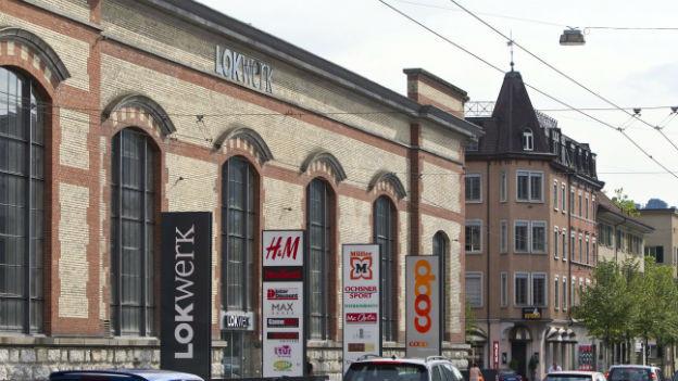 Das ehemalige Industriegebäude Lokwerk auf dem Sulzerareal ist heute ein Einkaufszentrum.