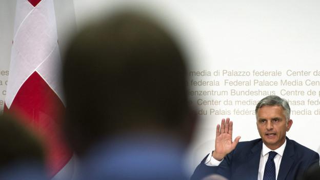Aussenminister Didier Burkhalter an der Medienkonferenz vom Mittwoch.