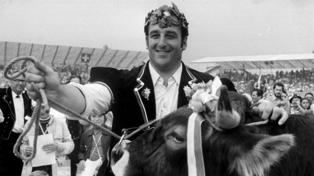 König Hunsperger Ruedi am Schwingfest 1974.