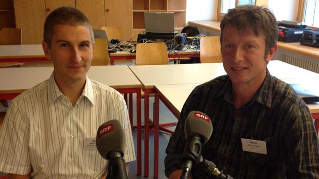 Stefan Lauber von der Eidgenössischen Forschungsanstalt WSL (links) und Adrian Riebli, Obwaldner Bauer und Älpler.