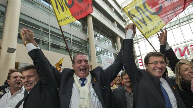 Können sich über den Wahlsieg freuen: Roger Golay, Eric Stauffer und Mauro Poggia vom MCG.