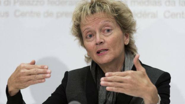 Eveline Widmer Schlumpf spricht sich gegen die Familieninitative aus