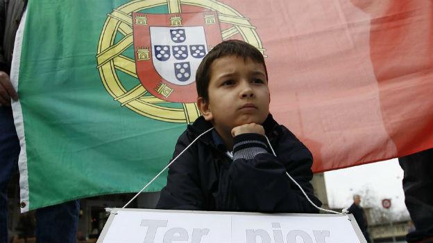 Portugiesen protestieren gegen Sozialabbau