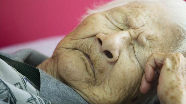 In der Schweiz leiden mittlerweile über 100'000 Menschen an Demenz.
