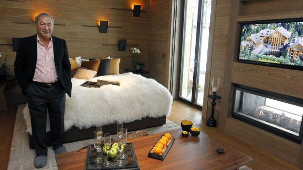 Der Ägypter Samih Sawiris, Inhaber der Orascom Development Holding (OHD), im einem der Hotelzimmer im Luxushotel «Chedi» im Alpenresort in Andermatt.