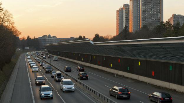 Feierabendverkehr auf der A6 bei Bern am 11. Februar 2011.