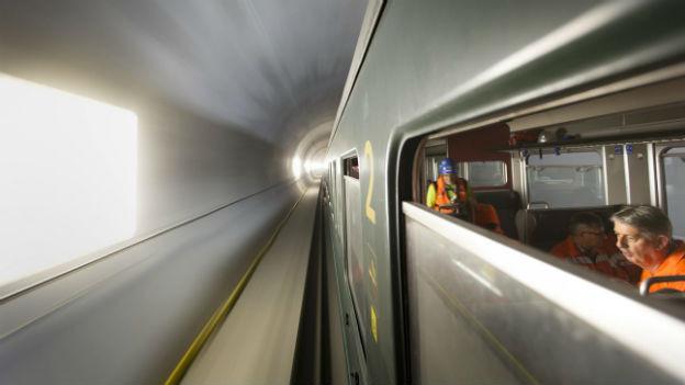 Die Bahntechnik wird mit vielen mögliche Szenarien getestet.