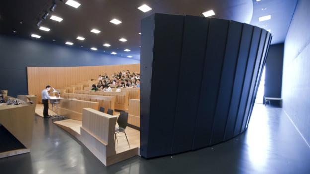 Das grosse Auditorium an der Universität in Lugano.
