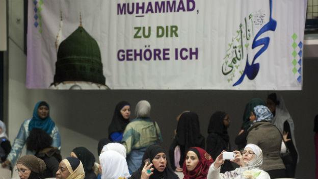 Muslime an einer Tagung in Zürich.