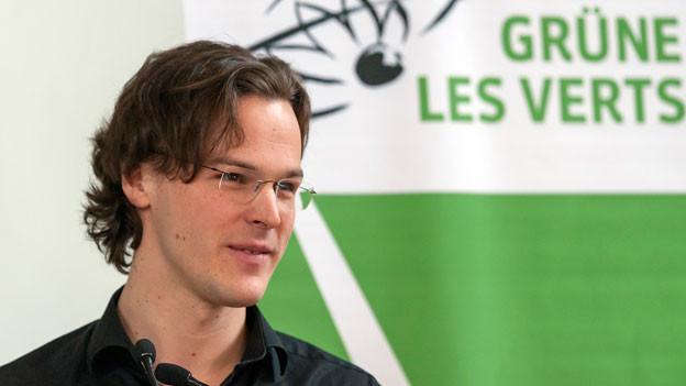 Nationalrat Bastien Girod spricht an der Delegiertenversammlung der Grünen Schweiz in der Halle du Château in Delémont, am 25. Januar 2014.