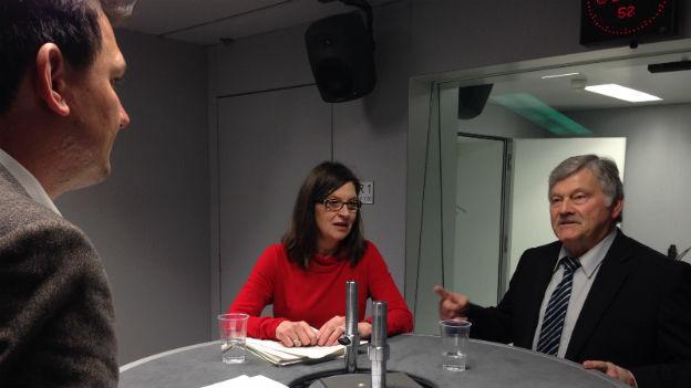 Zu Gast bei Lukas Mäder sind Hans Fehr (SVP) und Silvia Schenker (SP)