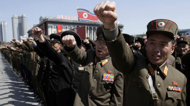 Nordkoreanische Offiziere bei einer Parade in Pjönjang.