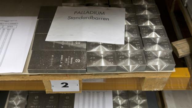 Palladium als Wertanlage: Barren im Safe der Zürcher Kantonablank ZKB (2011).