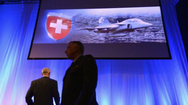 Armee-Chef Blattmann (vorne rechts) an einer Veranstaltung im Januar 2013.