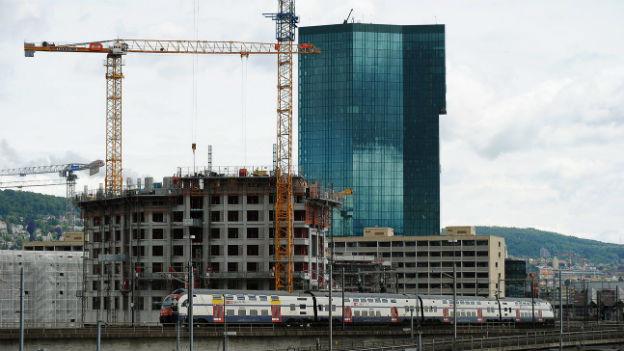 Immobilien werden in Zürich West hochgezogen.