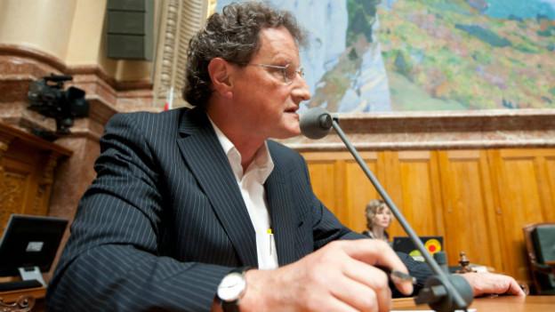 Der grüne Nationalrat Geri Müller bei einer Rede im Nationalrat 2011.
