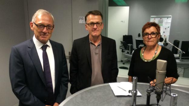 Die Gesprächsrunde im SRF4-Studio mit Carlo Schmid, Thomas Meier und Cécile Bühlmann.