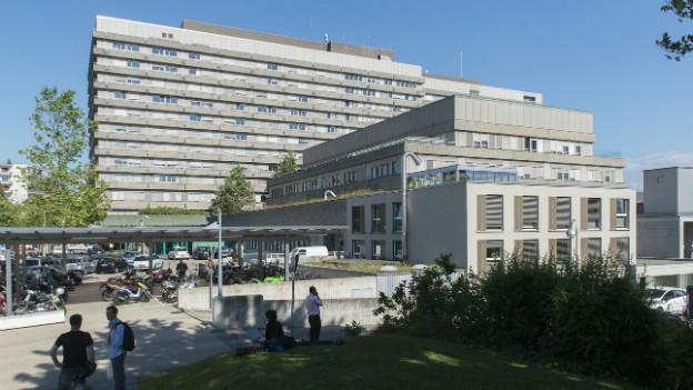 Eine Aussenaufnahme des Universitätsspital in Lausanne.