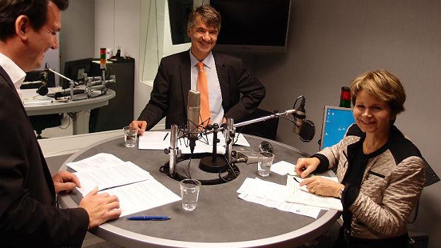 Brigitte Häberli und Alec von Graffenried (Mitte) im Studio.