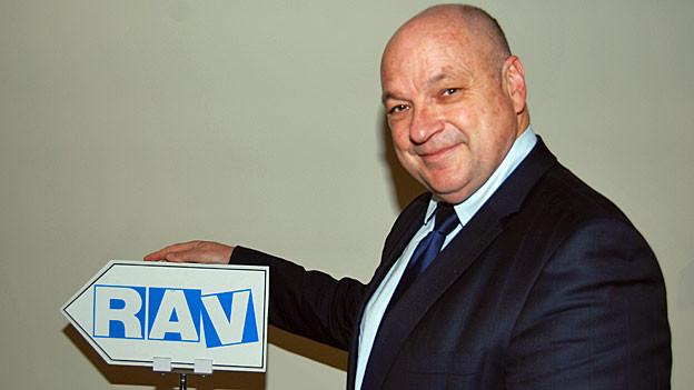 Bernhard Ecklin leitet das RAV im zürcherischen Thalwil.