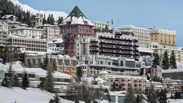 Winteraufnahme des Hotel Palace in St. Moritz.