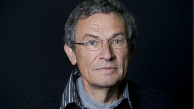 Portraitaufnahme des Schweizer Schriftstellers Charles Lewinsky.