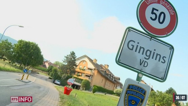 Ortstafel des Dorfes Gingins im Kanton Waadt.