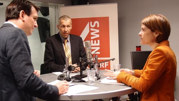 Petra Gössi (FDP) und Konrad Graber (CVP) diskutieren im Studio über die Verkehrsfinanzierung.