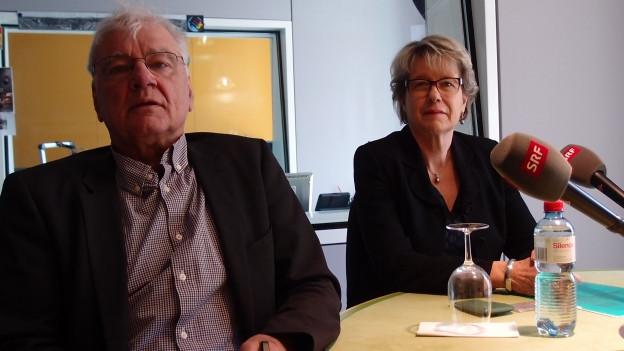 Corina Eichenberger (FDP) und Daniel Vischer (Grüne) im Studio von Radio SRF.