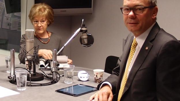 Susanne Leutenegger Oberholzer (SP) und Ruedi Noser (FDP) im Studio.