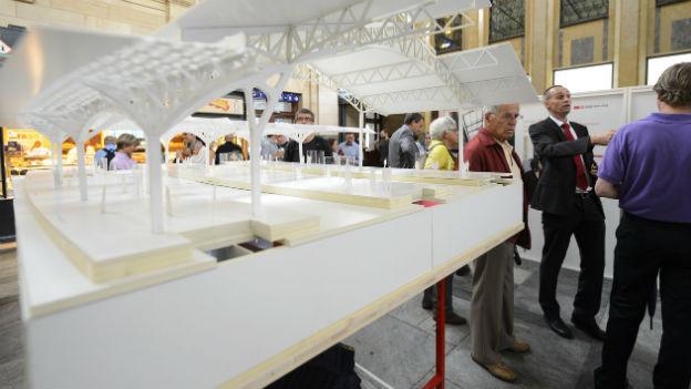 Das Modell des neuen Bahnhofs