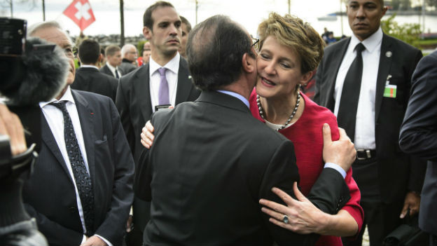 François Hollande besucht die Schweiz.