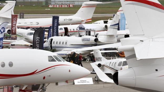 An der EBACE in Genf kann man die neuen Business-Jets von aussen und innen betrachten.
