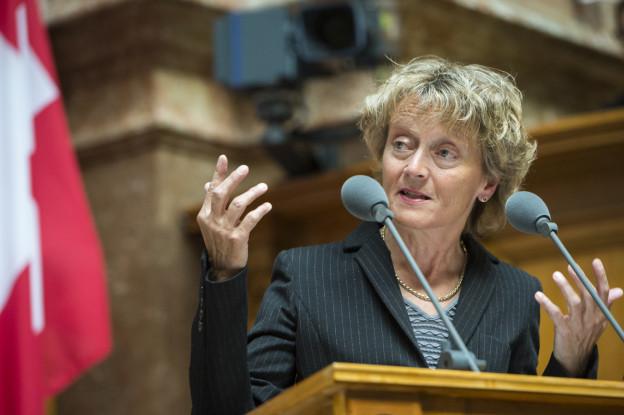 Bundesrätin Widmer-Schlumpf bei der Debatte im Nationalrat.