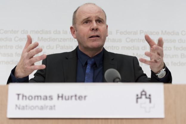 Thomas Hurter, Präsident der sicherheitspolitischen Kommission des Nationalrates bei einer Rede im Bundeshaus.