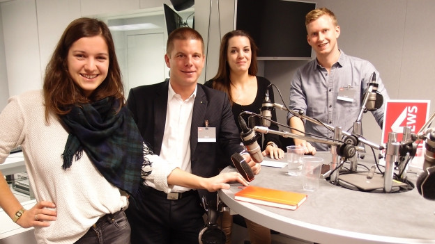Hanna Bay (Juso), Erich Hess (JSVP), Andrea Meier (JBDP) und Jean-Pascal Ammann (JCVP) im Radiostudio Bern (v.l.).